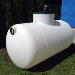 Plastová jímka Aqua 2300 litrů Plastová jímka Aqua 2300 litrů je určená na pitnou vodu.